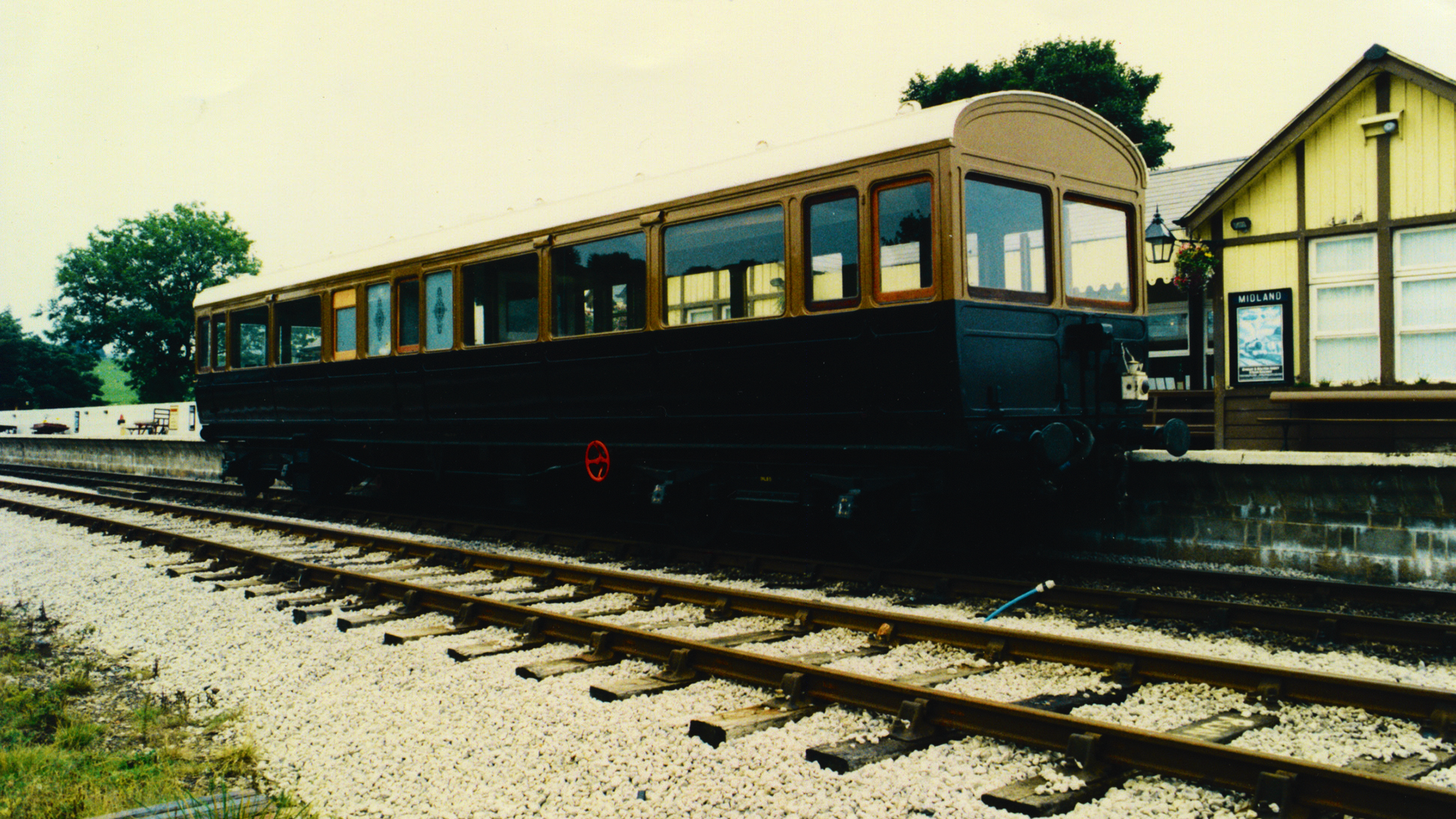 L and Y Directors Saloon No 1 of 1906 7 july 2003 SR